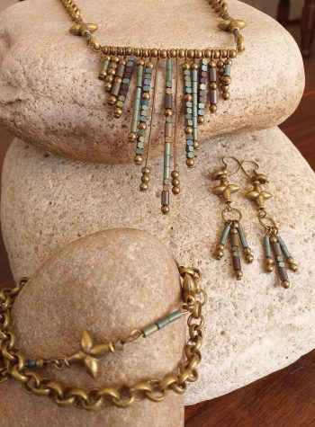 Beaded V pendant necklace SET