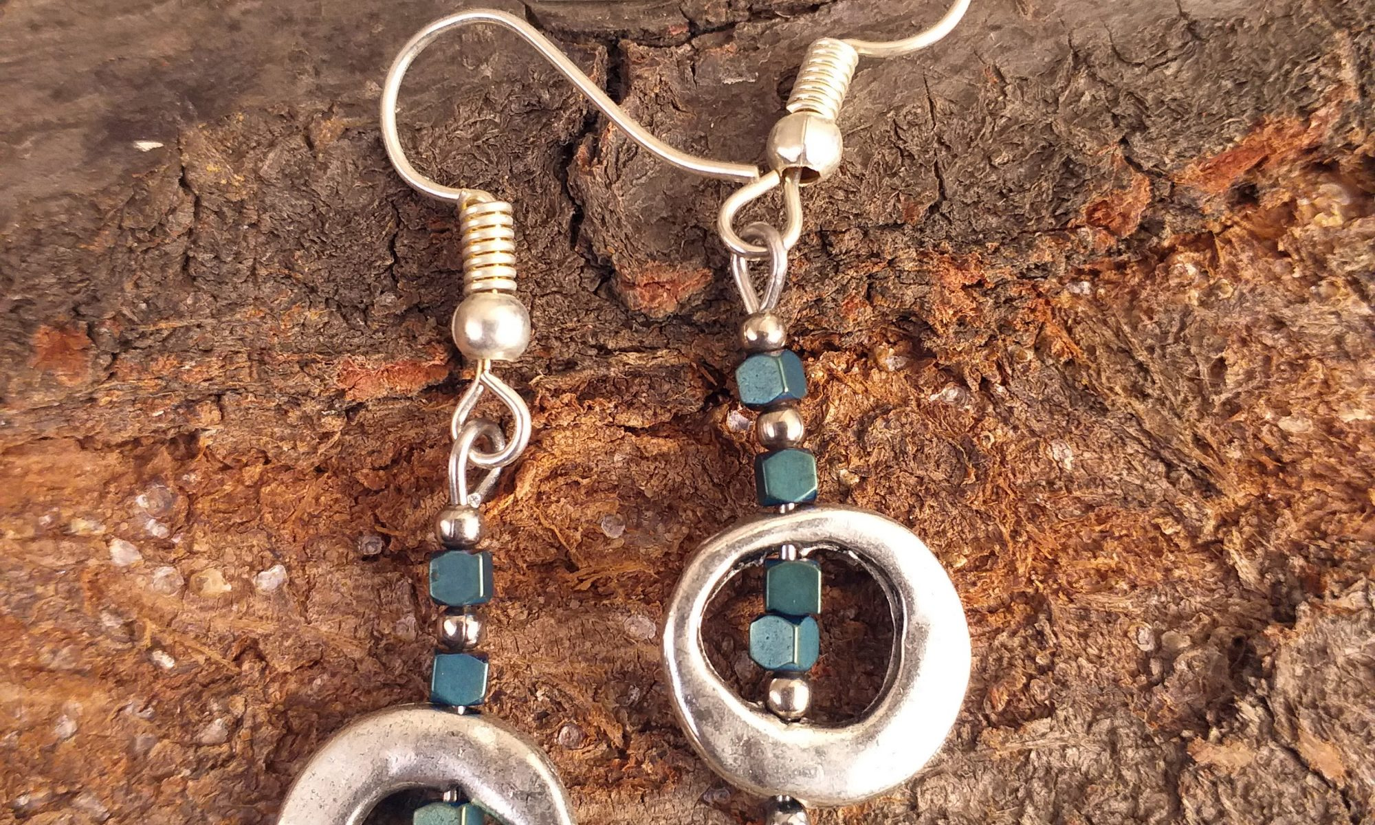 silver and green bead single ring earrings