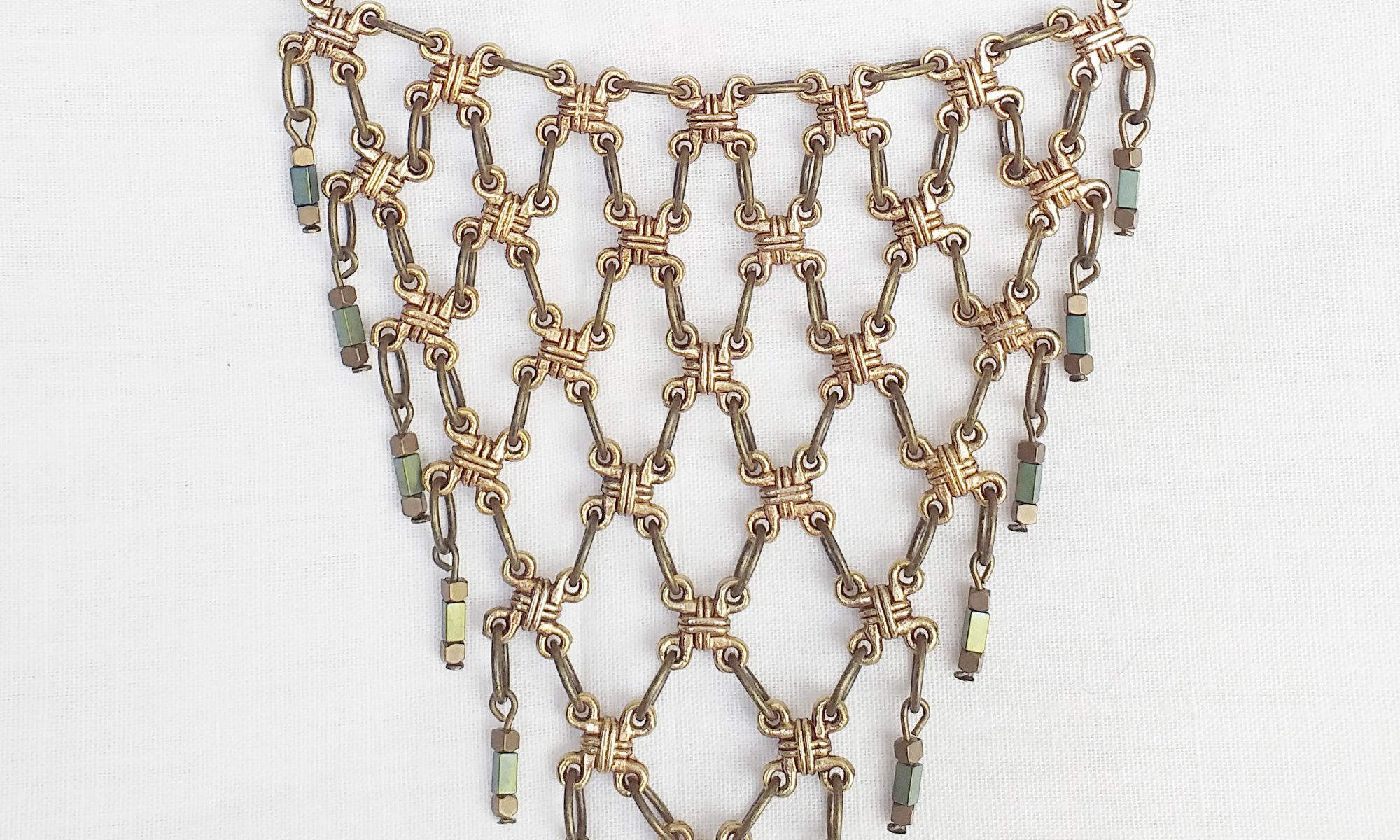 Product pic chainmail necklace thumbnail